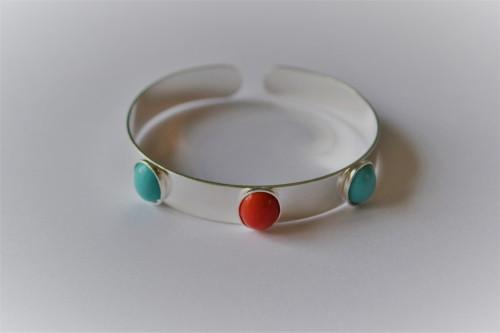 bracelet jonc 3 cabochons 10x8