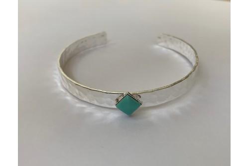 bracelet jonc martelé cabochon losange 6x6
