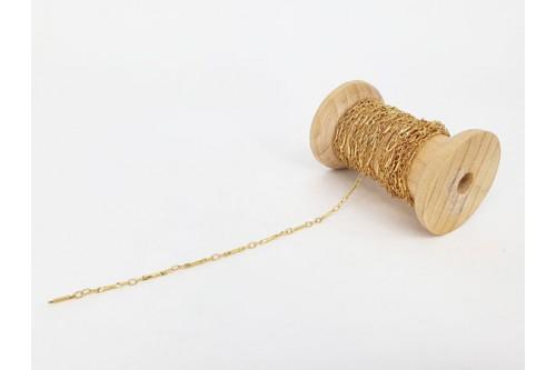 chaîne fine décor tige dorée